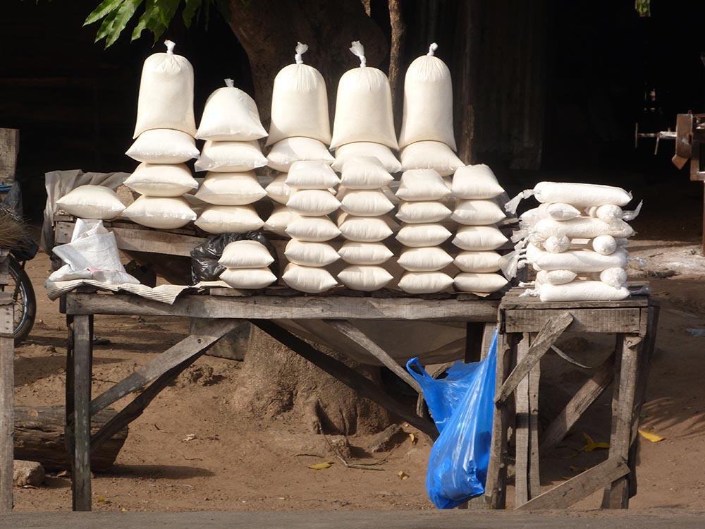 maniok stand am highway