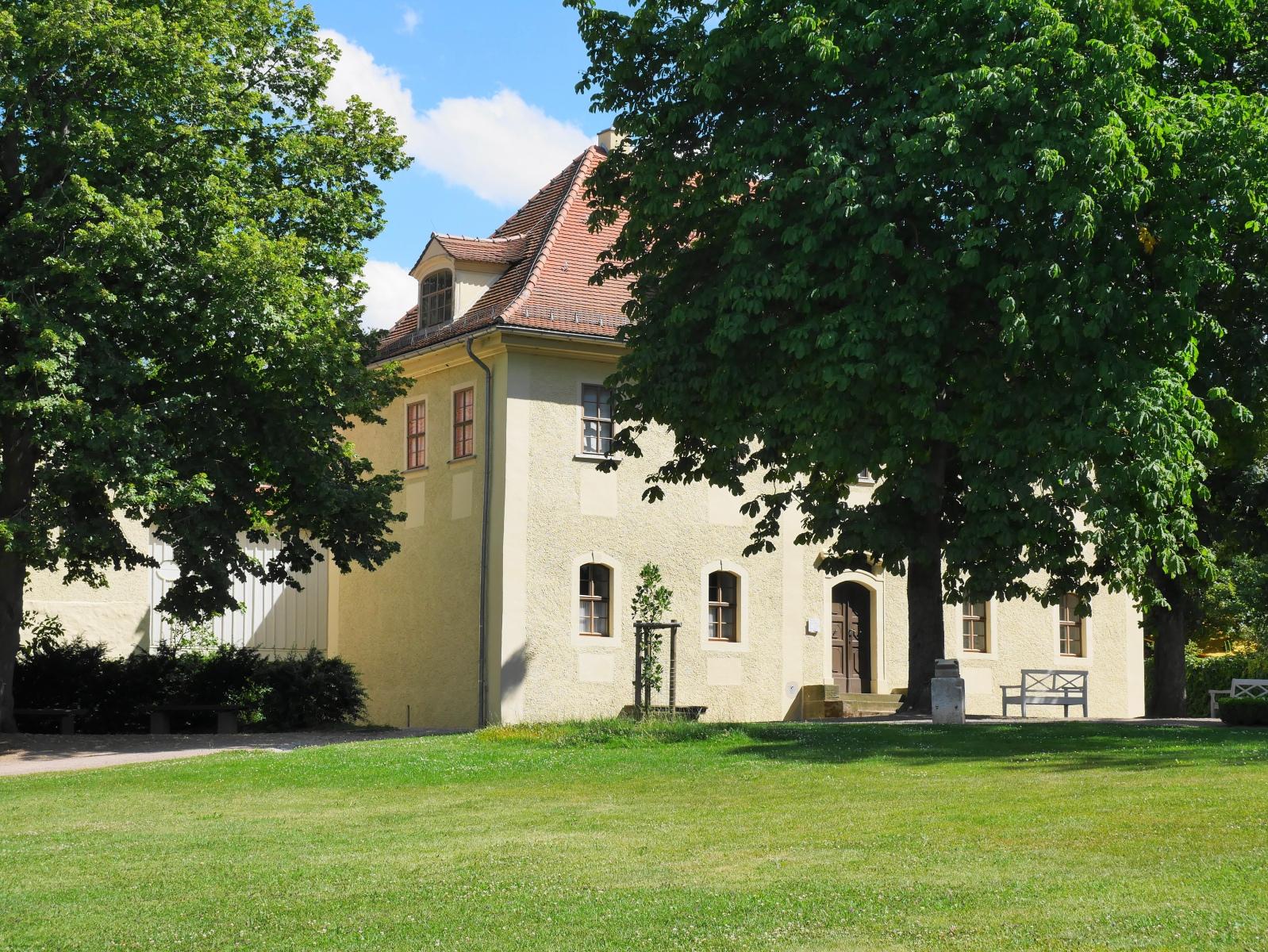 Tiefurt: Schloss, Eingangsseite