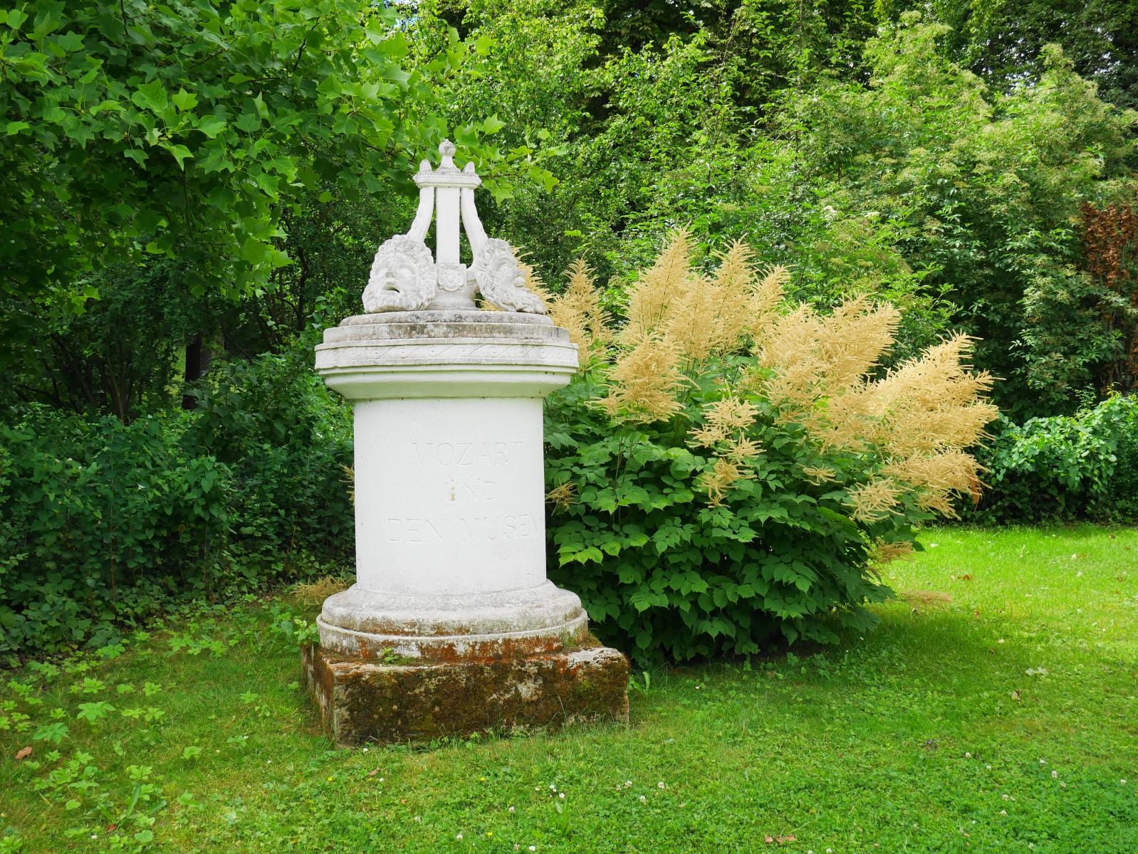 : Park Tiefurt: Mozartdenkmal